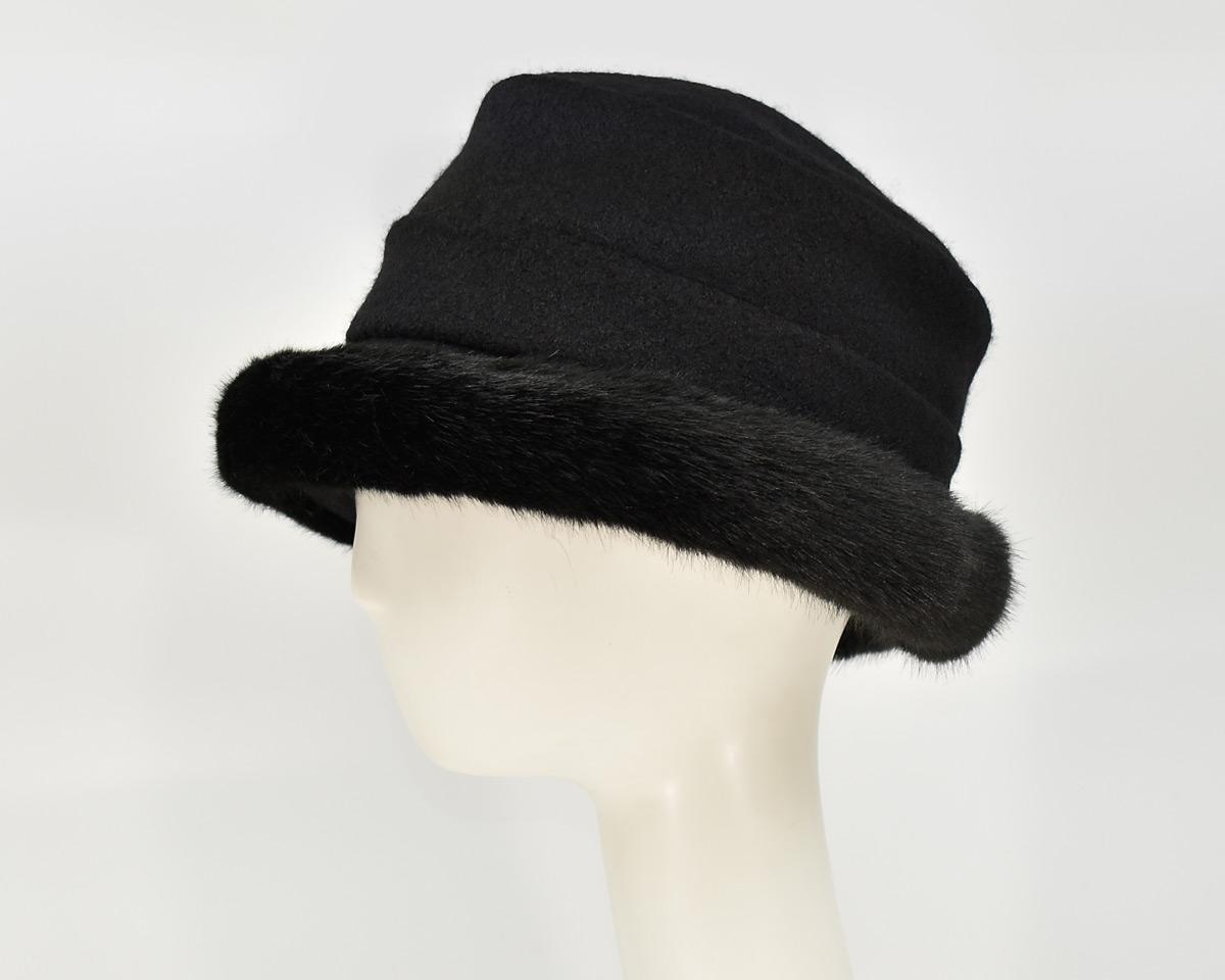 London: Stella - Black/Sochi (Faux Fur) (Side View)