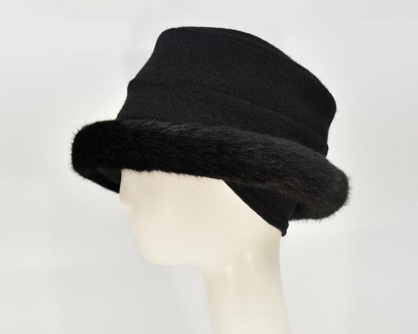 London: Stella - Black/Sochi (Faux Fur) (Side View Ear Cuff)