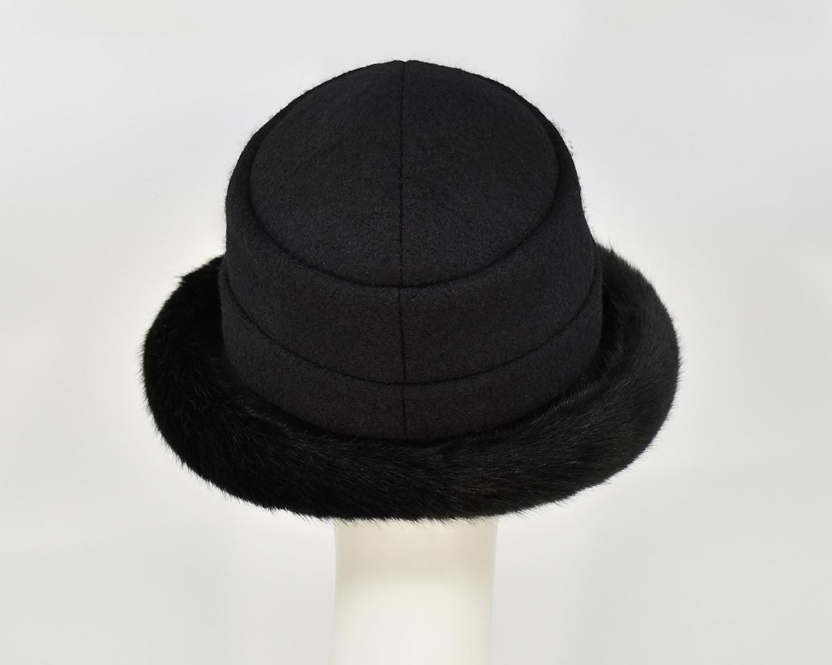 London: Stella - Black/Sochi (Faux Fur) (Back View)