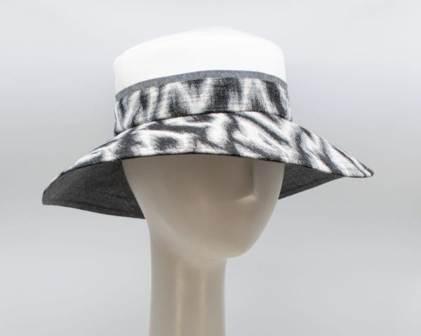 Greys: Isabella - White/Wave (Side View)